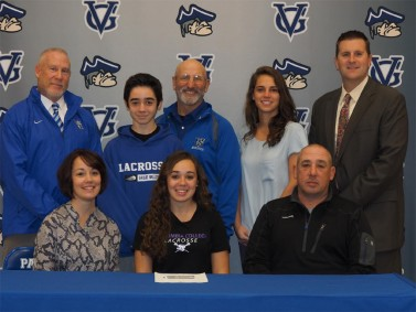 Alexa Campbell signs with Columbia College