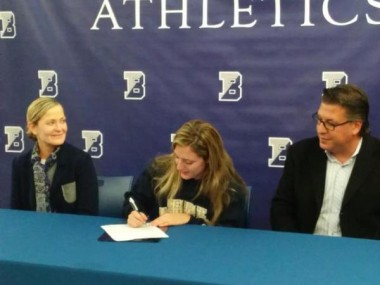 Eliza Mantelmacher signs with George Washington