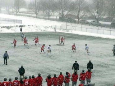 Lehigh and BU played in a heavy snowfall (Photo courtesy of Lehigh Sports Information)