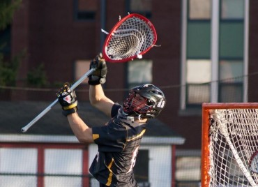 Ursinus goalie Brin aNeff makes oneof his 13 saves in Wedmnesday's win