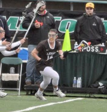 Lehigh's Julianne D'Orazio looks for open space during Friday's semifinal loss to Loyola